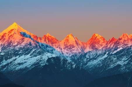 Alpine Glow Stok Kangri