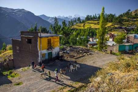 A small town in Peru near Machu Pichu