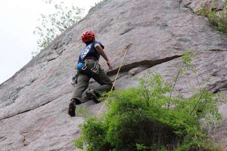A Climber teaches Rock Climbing